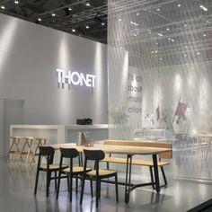 Combo Design is officieel dealer van Thonet. ✓Thonet 118 Stoel makkelijk bestellen ✓ Verschillende varianten verkrijgbaar ✓ Snelle levertijd Conference Room, Dining Table, Furniture, Design, Home Decor, Decoration Home, Room Decor, Dinner Table