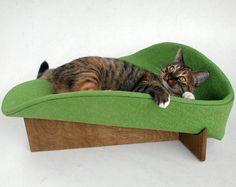 love these mod ilikekittysville kitty beds! the kitty model helps :)