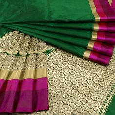 Buy online Handwoven Green Banarasi Katan Silk Saree With Floral Border & Blouse 10013074