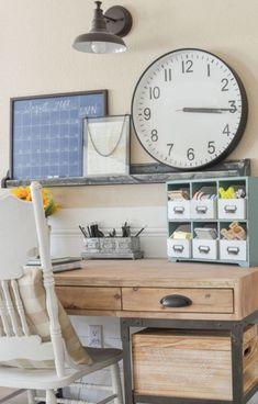 30+ Farmhouse Office Desk Ideas – FarmhouseMagz Home Office Space, Home Office Desks, Home Office Furniture, Office Spaces, Furniture Ideas, Office Table, Farmhouse Office, Farmhouse Decor, Farmhouse Style