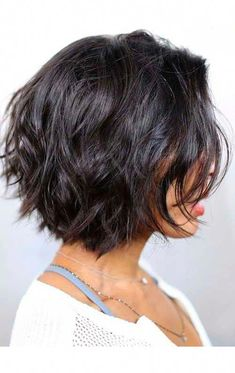 70 Fabulous Choppy Bob Hairstyles – Best Textured Bob Ideas short choppy wavy bob with bangs Source Choppy hairstyles are a breeze with a quality layered haircut and a good texturizer If you also add a dimensional Bob 'dos no longer need any introduction, Short Haircuts With Bangs, Short Hairstyles For Thick Hair, Layered Bob Hairstyles, Haircut For Thick Hair, Short Hair Cuts For Women, Long Hair Cuts, Cool Hairstyles, Hairstyle Ideas, Choppy Hairstyles
