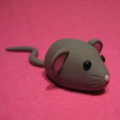 Aaaaah een muis OMG ooh hijbis van fimo gemaakt hihi dus niet echt