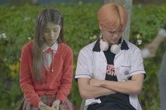 "shua♥� di Instagram ""ceritanya Heejin ngambek, dan Jaemin gatau harus ngapain  kapal sejuta umat #jaejincouple #jaejin #jaemin #nct #nctdream #nctjaemin…"" Kpop Couples, Best Kpop, Ulzzang Couple, Na Jaemin, K Idol, Nct Dream, Siblings, Couple Goals, Rain Jacket"