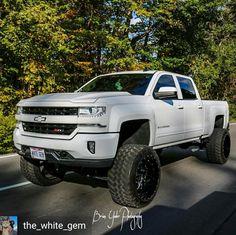 Lifted Chevy Trucks, Chevrolet Trucks, Chevrolet Silverado, Pickup Trucks, Lifted Silverado, Silverado 1500, Chevy 1500, Future Trucks, Trucks Only