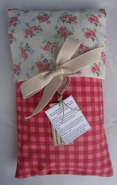 Image result for rectangle patchwork pillow pattern Microwave Heat Pack, Microwave Heating, Patchwork Pillow, Small Pillows, Different Textures, Pillow Talk, Bag Making, Patches, Gift Wrapping