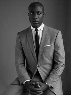 Ozwald Boateng (born is an English fashion designer of Ghanaian descent, known for his trademark twist on classic British tailoring style.Such a handsome man. Ozwald Boateng, Sharp Dressed Man, Well Dressed Men, Black Is Beautiful, Hello Beautiful, Beautiful People, Ugly Betty, English Fashion, American Fashion