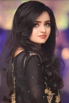 Beautiful Girl Photo, Cute Girl Photo, Beautiful Girl Indian, Beautiful Women, Stylish Girls Photos, Stylish Girl Pic, Cute Beauty, Beauty Full Girl, Girl Pictures