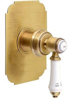 Bateria podtynkowa to idealne rozwiązanie do małych pomieszczeń. Bateria łączy styl retro z zaawansowaną technologią. W serii VIENNA znajdziesz baterie z białą dźwignią. Dostępne w chromie i brązie. #łazienka #bathroom #sapho #vienna #retrostyle #łazienkaretro #brąz #inspiracja #projektowanie #design
