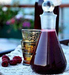 nalewka malinowa Irish Cream, Perfect Food, Wine Decanter, Liquor, Barware, Food And Drink, Homemade, Drinks, Cooking