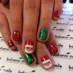 Today, we've made a collection of 30 Cool Christmas Nail Art Ideas' in this post. You will find all the nail designs here are very pretty and cute and can complete your outfits fabulously. Holiday Nail Art, Christmas Nail Designs, Christmas Nail Art, Kids Christmas, Christmas Design, Santa Nails, Xmas Nails, Fun Nails, Super Cute Nails