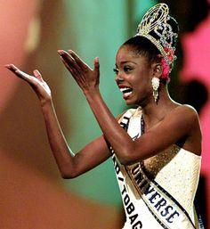 Miss UNIVERSO 1998 de Trinidad y Tobago, Wendy Fitzwilliam, 26años (nacida el 04 de octubre 1972 en Diego Martín) es un ex Miss Trinidad y Tobago, la tercera mujer de piel  negra en capturar la corona Miss Universo y el segunda Miss Universo en la historia de Trinidad y Tobago