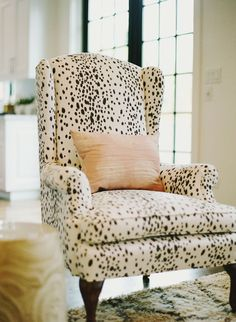 Another fun animal print accent that goes with brown-grey flooring. Love this dalmatian print.