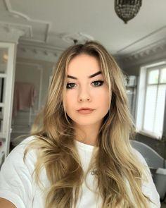 😻💇🏼♀️ dziekuje bardzo @hnatkowska_hairstylist Blonde Hair, Idol, Long Hair Styles, Youtube, Beauty, Fotografia, Yellow Hair, Long Hairstyle, Long Haircuts