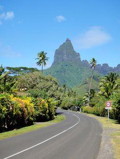 Driving around the island of moorea Beautiful Places To Travel, Beautiful Scenery, Beautiful Landscapes, Bora Bora, Italy Vacation, Italy Honeymoon, Vacation Places, Moorea Tahiti, Islas Cook