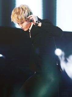 Discovered by 𝐸𝒳𝒪 ️ϟ. Find images and videos about kpop, exo and kris on We Heart It - the app to get lost in what you love. Kris Exo, Wu Yi Fan, Find Image, We Heart It, Addiction, Drama, Korean, Asian, Kpop