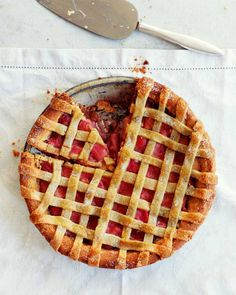 Our sweet rhubarb, vanilla and almond lattice tart – made with almond pastry – is a guaranteed fantastic finale to any meal. Rhubarb Recipes, Tart Recipes, Dessert Recipes, Rhubarb Desserts, Summer Cake Recipes, Summer Cakes, Rhubarb Tart, Almond Pastry, Delicious Desserts