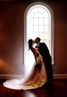 Summer Gibs  Photography - Virginia Photographers - Wedding day bride and groom photo with dramatic shadows
