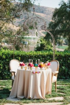 ThisMaravilla Gardens wedding is fiesta gone fabulous. Vibrant, fun, and captured beautifully byMarianne Wilson Photography ,it's the type of wedding that will put some serious va va voom into...