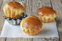 Este rico pan tiene un toque dulce.  Es un pan típico de francia que con la ayuda de una maquina para hacer pan no es dificil de hacer.