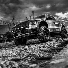 Ford Raptor aka sexy beast.... Maybe my next big purchase????