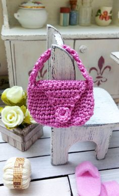 Hey, I found this really awesome Etsy listing at https://www.etsy.com/listing/248853042/crochet-dollhouse-handbag-miniature-bag