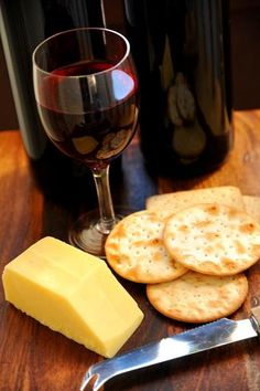 How to Choose the Right Wine to Go With Cheese #alumnaproblems