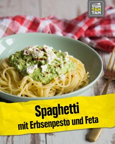 Spaghetti with pea pesto and feta - spaghetti always works! That's why ha .Spaghetti with pea pesto and feta - spaghetti always works! That's why we now have a delicious recipe for spaghetti with peas - # Schwarzewan Spaghetti Recipes, Pasta Recipes, Cooking Recipes, Spaghetti Salad, Vegan Spaghetti, Macaroni Recipes, Chard Recipes, Recipes, Healthy Recipes