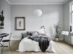 Bedroom wirh alternative walldecor