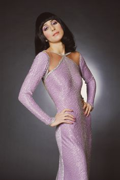 """Cher wears a sleek bob mackie jersey dress for """"the sonny & cher comedy hour Bob Mackie, Rupaul, 70s Fashion, Vintage Fashion, High Fashion, Divas, Cher Photos, Signature Style, Style Icons"""