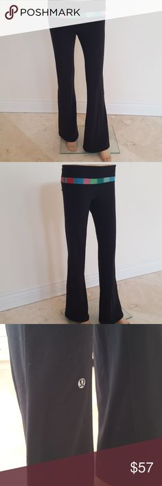 💥1 HR SALE💥lululemon pants Lululemon active wear Gently used A little bit of bunching on the left side. Please see pic.  💥PRICE FIRM💥 lululemon athletica Pants Track Pants & Joggers