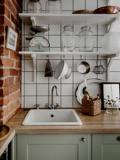 Awesome modern kitchen room are offered on our website. Have a look and you wont be sorry you did. Retro Home Decor, Home Decor Kitchen, Kitchen Dining, Kitchen Cabinets, Green Cabinets, Kitchen Paint, Design Kitchen, Kitchen Ideas, Modern Farmhouse Kitchens