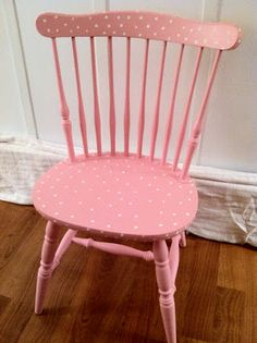 polka dot chair. If the lace thing on Rileigh's dresser doesn't work out there is always this!