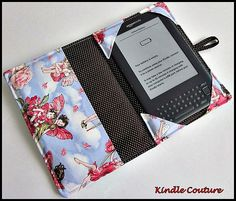 Kindle / sale kindle 3 keyboard or nook generation) padded cover/case Fabric Crafts, Sewing Crafts, Sewing Projects, Projects To Try, Diy Crafts, Capas Kindle, Coque Ipad, Tablet Cover, Laptop Covers