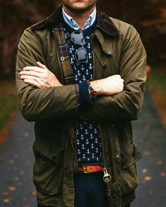 The iconically british Barbour jacket will be one of your best investments this season. Take a look at some of the best menswear styles from the Barbour. Preppy Mens Fashion, Country Fashion, Best Mens Fashion, Fashion Outfits, Fashion News, Men's Fashion, Der Gentleman, Gentleman Style, Barbour Jacket Mens
