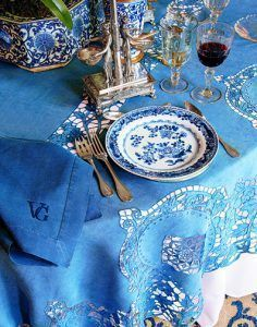 Blue and White Table - The opening of Valentino's new book Valentino: At the Emperor's Table from Assouline. Blue And White China, Love Blue, Blue China, Color Blue, Chinoiserie, Valentino, Beautiful Table Settings, Table Arrangements, Centrepieces