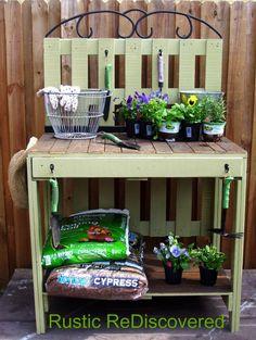 Bureau de jardinage en palettes