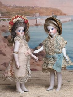 Mignonettes Sustrac, tout biscuit, 1877-1878- Small French dolls