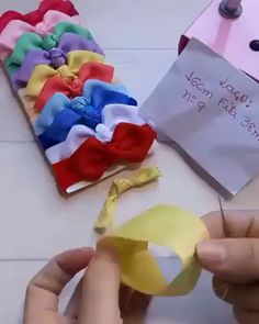 Como fazer laco passo a passo - Hair StylesLarger Handmade Silk Flower inches) In Wine And Have 16 Colors To Choose Ready To Shivideo Under Wear underwear cartoon 8 tips to make a 5 inch hair bow. Diy Hair Bows, Making Hair Bows, Ribbon Hair Bows, Diy Ribbon, Ribbon Crafts, Felt Crafts, Bow Making, Baby Bows, Baby Headbands