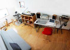 our studio – Bex Peralta – Audioroom Home Studio Setup, Home Studio Music, House Studio, Audio Studio, Recording Studio Home, Drum Room, Room Interior, Interior Design, Audio Room