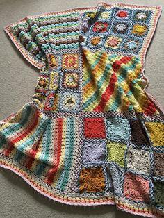 Transcendent Crochet a Solid Granny Square Ideas. Inconceivable Crochet a Solid Granny Square Ideas. Motifs Granny Square, Granny Square Crochet Pattern, Crochet Flower Patterns, Crochet Squares, Crochet Granny, Crochet Blanket Patterns, Crochet Motif, Crochet Designs, Crochet Flowers