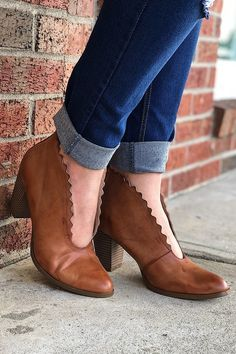 41 Beste images scarpe are a Girl's Best Friend images Beste on Pinterest in 2018 d25a19
