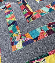 Jeans quilt w/scrappy sashings! - DiyForYou Scrappy Quilt Patterns, Scrappy Quilts, Patchwork Quilting, Quilting Projects, Quilting Designs, Quilting Ideas, Scrap Fabric Projects, Quilting Templates, Quilt Design