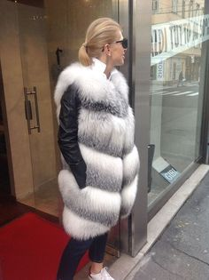Nadire Atas on Fur Fashion, News, Photos and Videos - Vogue Why A Fur Vest Is The Classiest Way To Fight Against Cold Fox Fur Vest, Fur Jacket, Real Fur Vest, Fur Fashion, Winter Fashion, Fashion Outfits, Fashion News, Fashion Trends, Fashion Tips For Women