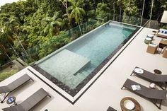 Navegue por fotos de Piscinas Moderno: Piscina . Veja fotos com as melhores ideias e inspirações para criar uma casa perfeita.