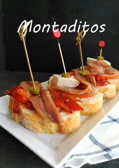 marronglacè: Montaditos de anchoas Antipasto Recipes, Appetizer Recipes, Wine Recipes, Gourmet Recipes, Cooking Recipes, Tapas Spain, Tostadas, Bruschetta, My Favorite Food
