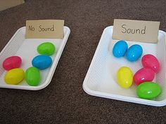 Basic Music foundations - Sound/No sound. Fill and then sort plastic Easter eggs by sound/no sound. Could make the child guess what's inside. At the end open eggs, include at least 1 treat Senses Activities, Easter Activities, Spring Activities, Infant Activities, Preschool Activities, English Activities, Preschool Class, Toddler Fun, Toddler Preschool