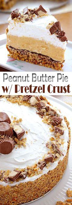 Peanut Butter Pie with Pretzel Crust (thanksgiving sweet treats) Mini Desserts, No Bake Desserts, Easy Desserts, Delicious Desserts, Dessert Recipes, Yummy Food, Weight Watcher Desserts, Low Carb Dessert, Pie Dessert