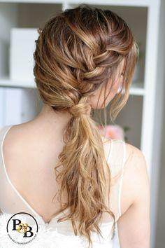 Wedding hair down with braid #bridesmaidhairwithbraid #weddinghairbraid #bridalhairwithbraid