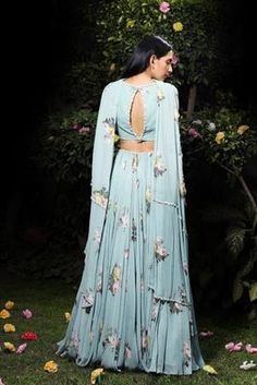 By Designer Mahima Mahajan, This Set Features A Aquamarine Madrite Pleated Lehenga And Flap Embellished Bustier Set. Shantoonsleeve Type: Straplesscare: Dry Clean Only Lehenga Modern, Chanya Choli, Indian Fashion, Women's Fashion, Indian Bridal, Bridal Dresses, Prom Dresses, Indian Wear, Types Of Sleeves