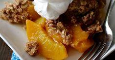Mom's Peach Crisp Pie Dessert, Dessert Recipes, Easy Desserts, Delicious Desserts, Yummy Snacks, Yummy Food, Peach Crisp, Sweet Recipes, Baking Recipes